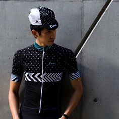 Re-con re-ran and re-stocked so you can rock👌🏻 alá @creuxcycling ・・・ Re-con Jersey has been restocked in all sizes. Limited run as always.