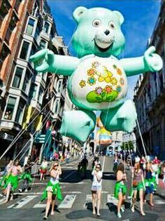 #MustSee & #PlaceToBe  #BalloonsDayParade #Brussels #ComicStripFestival #Stripfeest #Cartoons #Brusselslife www.brusselslife.be #VisitBrussels #HapAppBrussels #ErfgoedBrussel #ErfgoedBrabant #ErfgoedBelgië #VisitBrabant #VisitBelgium #IkbenBrussel #IkbenBelg #TrotseBelgen #StolzeBelgier #ProudBelgians #ILikeBelgium #BelgiumIsBeautiful #Belgientourismus