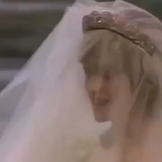 An animated view of the glittering Spencer Tiara, worn by Princess Diana on her wedding day in Princess Diana Quotes, Princess Diana Wedding Dress, Princess Diana Jewelry, Princess Diana Engagement Ring, Princess Diana Fashion, Princess Diana Pictures, Princess Diana Daughter, Funny Princess, Princess Diana Death