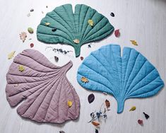 Ginkgo leaf play mat made of natural linen, DIY and Crafts, Stylish ginkgo leaf shaped carpet created under nature inspirational. It is best for: -Baby photo shoot especially for her first sweet -Nursery as a m. Ginkgo, Leaf Shapes, Baby Sewing, Rugs In Living Room, Kind Mode, Nursery Decor, Baby Shower Gifts, Etsy, Diy And Crafts