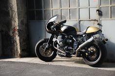 RocketGarage Cafe Racer: Guzzi V11 Cafè Racer version Greaser Garage