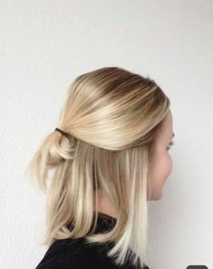 long-bob-with-low-half-bun-buttery-blonde-natural-highlights-hairinspiration-blondehair-haircutinspiration-blonde-blondehair-bob-bun-but/ SULTANGAZI SEARCH Easy Casual Hairstyles, Angled Bob Hairstyles, Bob Hairstyles For Fine Hair, Knot Hairstyles, Blonde Long Bob Hairstyles, Latest Hairstyles, Celebrity Hairstyles, Easy Casual Updo, Casual Hair Up