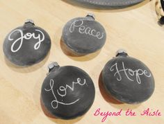 Happy Holidays! Chalkboard Christmas Ornaments + Chalkboard Chargers | beyond the aisle