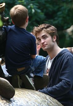 Rob Pattinson On Set Of 'Remember Me' In New York City June/July 2009