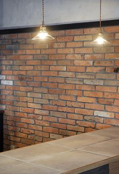 #リノベーション #キッチン おしゃれなキッチンスタジオのような対面式キッチンカウンター。バーカウンターとしても◎
