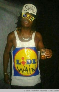 Just hanging out with LIDL Wayne. Lil Wayne, Lidl, You Funny, Funny Stuff, Funny Things, Stupid Stuff, Best Funny Pictures, Funny Pics, Fancy Dress