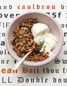 Parce qu'on n'a pas toutes les mêmes besoins, on démarre la journée avec un breakfast personnalisé, grâce aux conseils du Dr Catherine Serfaty-Lacrosnière http://www.elle.fr/Elle-a-Table/Les-dossiers-de-la-redaction/News-de-la-redaction/Comment-equilibrer-son-petit-dejeuner-2753192