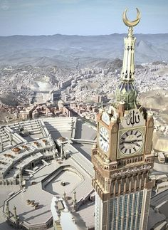 The Abraj Al-Bait Towers, also known as the Mecca Royal Hotel Clock Tower, is a building complex in Mecca, Saudi Arabia. Mecca Masjid, Masjid Al Haram, Mecca Madinah, Beautiful Mosques, Beautiful Places, Places Around The World, Around The Worlds, Pilgrimage To Mecca, Moslem