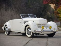 cord-812-convertible-coupe