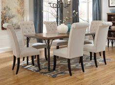 Sus sillas elegantemente tapizadas, brindan el toque de sofisticación en la decoración de tu hogar y a la vez la comodidad al sentarte para disfrutar con tu familia e invitados.