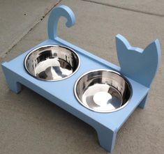 Elevated Pet Feeder in Natural Pine Wood for cats and small dogs. Color: Tiffany Blue Colors may vary in different types of lighting and with different monitor settings. Raising Kittens, Diy Cat Toys, 3d Cnc, Cat Feeder, Wood Dog, Cat Room, Pet Furniture, Dog Houses, Diy Stuffed Animals