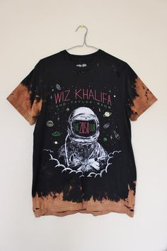 Splatter Bleached and Shredded Wiz Khalifa T Shirt Medium Bleach T Shirts, Tie Dye Shirts, Edgy Outfits, Cool Outfits, Rap Quotes, Lyric Quotes, Movie Quotes, How To Tie Dye, Wiz Khalifa