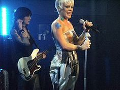 Pink (singer) - Wikipedia, the free encyclopedia