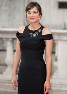2bf274955471  MarionCotillard in a chic little black dress  celebritystyle   celebritygossip Marion Cottillard