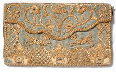 This is an early century straw work letter case. Designed in an envelope style. A blue silk background embroidered with straw work and silk thread depicts foliate motifs, dogs, birds, and two entwined love hearts. Straw Art, Letter Case, Gold Embroidery, Embroidery Works, Embroidery Stitches, Vintage Purses, Vintage Bags, Embroidered Bag, Gold Work