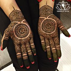 Pretty much the only full hand mehendi I'd probably wear