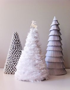 comment fabriquer un sapin de Noël cones-carton-decores-perles