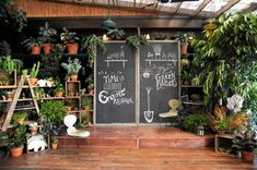 Flower shop interiors - Our Fixer Upper Retail Inspo – Flower shop interiors