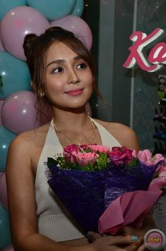 From stars, shows, movies and music, get your daily dose of the hottest showbiz news with PUSH! Kathryn Bernardo, Asian Woman, Asian Girl, Iran Girls, Bad Girl Aesthetic, Beautiful Asian Women, Celebs, Celebrities, Grand Opening