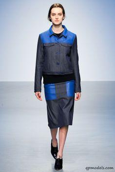 London Fashion Week: Richard Nicoll Fall/Winter 2014 - http://qpmodels.com/interesting/6132-london-fashion-week-richard-nicoll-fall-winter-2014.html