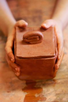 pintalalluna: Cajitas de arcilla Projects For Kids, Crafts For Kids, Potters Clay, Kids Clay, Box Art, Clay Crafts, Clay Art, Art Blog, Art For Kids