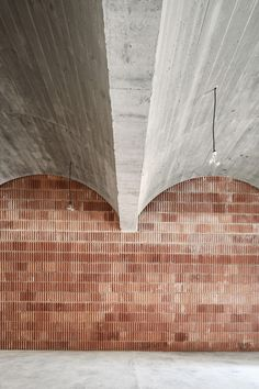 Image 12 of 30 from gallery of Municipal Archive / Aulets Arquitectes. Photograph by José Hevia Architecture Design, Contemporary Architecture, Concrete Architecture, Interior And Exterior, Interior Design, Brickwork, Ceiling Design, Gallery, Ceilings