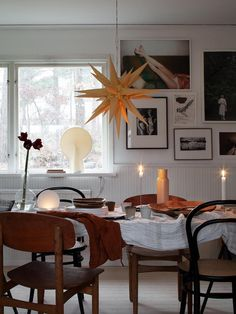 my scandinavian home: Candles and Stars in A Cosy Swedish Home at Christmas Swedish House, Dining Room Inspiration, Scandinavian Home, Dream Decor, Beautiful Interiors, Home Interior Design, Wonderland, Home And Family, New Homes