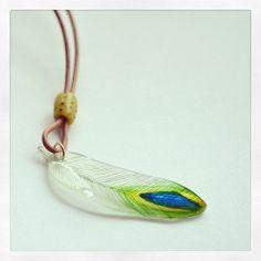 孔雀の羽プラバンペンダントヘッド #peacock #shrinkplastic  #shrinkydinks #プラバン #プラ板