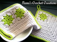 "Nana's ""Retro Square Potholder"""