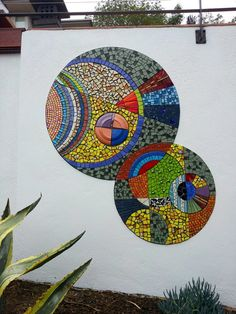 Colorful interlocking circles mosaic mural by Unique Artwork. Mosaic Artwork, Mosaic Wall Art, Mosaic Glass, Mosaic Tiles, Stained Glass, Mosaic Crafts, Mosaic Projects, Mosaic Designs, Mosaic Patterns