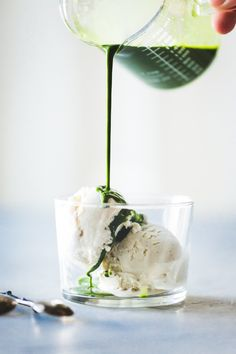 Warm, emerald green matcha kissed with ginger meets cool ice cream for a verdant take on the traditional affogato. Yummy Drinks, Delicious Desserts, Dessert Recipes, Fudge Recipes, Frozen Desserts, Frozen Treats, Affogato Recipe, Ginger Ice Cream, Bojon Gourmet