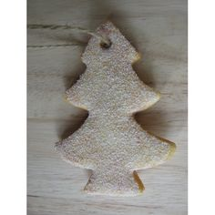 Uitsteker van een kerstboom, brooddeeg, draad en namaaksneeuw Gingerbread Cookies, Winter, Crafts, Food, Gingerbread Cupcakes, Winter Time, Ginger Cookies, Meal, Essen
