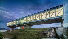 Construido por ER Arquitectos  ,non Arquitectura  en Jaén, Spain con fecha 2013. Imagenes por Jesús Granada. La propuesta que aportamos para el edificio destinado a albergar el CETICOM se organiza de acuerdo con un posicionami...