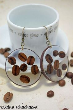 Coffee beans in resin earrings - Schmuck - Kaffee Diy Resin Art, Diy Resin Crafts, Wood Resin, Jewelry Crafts, Handmade Jewelry, Metal Clay, Earrings Handmade, Resin Jewlery, Making Resin Jewellery