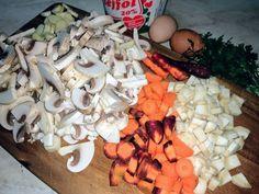 Zöldséges gombaleves recept lépés 1 foto Stuffed Mushrooms, Chicken, Meat, Vegetables, Food, Veggies, Essen, Vegetable Recipes, Yemek
