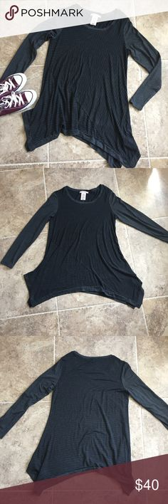 Philosophy Long Sleeve Top Beautiful striped long sleeve top from Philosophy. Would almost be described as a tuni, it's long and uneven on the sides but gives for a more flattering look. Super stretchy material but also very soft. Philosophy Tops Tees - Long Sleeve