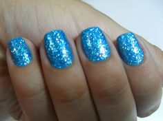sparkly aqua blue nails