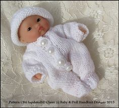 All-in-One and Hat for chubby 5 & 8 inch Berenguer inch Lil Cutesie Knitted Doll Patterns, Knitted Dolls, Baby Knitting Patterns, Knitting Designs, Hand Knitting, Baby Barbie, Baby Dolls, Bitty Baby Clothes, Knit Crochet