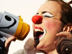 """O Sesc Pinheiros recebe muita palhaçada no mês de setembro. A Cia Suno apresenta dois espetáculos circenses nos dias 7, 14, 15, 21 e 29, sempre às 16h: """"Cabaré Cia Suno"""" e """"Cortejo Suno"""". As duas apresentações têm entrada Catraca Livre. Composta pela atriz Helena Figueira e pelo artista acrobata Duba Becker,a Cia Suno mescla...<br /><a class=""""more-link"""" href=""""https://catracalivre.com.br/sp/agenda/gratis/setembro-e-mes-de-palhacadas-no-sesc-pinheiros/"""">Continue lendo »</a>"""