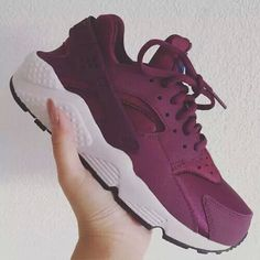 I also want an electric blue Nike huaraches- Maroon f393b96151