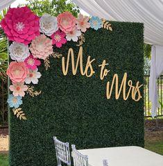 Hochzeit deko Congratulations Shaun wishing you all the very best. Flower Wall Wedding, Wedding Wall, Wedding Stage, Diy Wedding, Decor Wedding, Wedding Ideas, Flower Wall Backdrop, Wall Backdrops, Paper Flower Wall