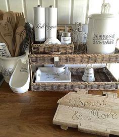 Vintage Country, Vintage Decor, Sep 15, Estilo Country, Paper Basket, Kitchen Collection, Kitchen Styling, Kitchen Interior, Decoration