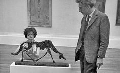 Annette and Alberto Giacometti during the set up of the artist's retrospective at Tate Gallery, 1965 Alberto Giacometti, Giovanni Giacometti, Modern Artists, Contemporary Artists, Famous Artists, Great Artists, Antoine Bourdelle, Statues, Tate Gallery