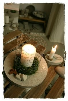 Add some ribbon to the chicken wire to class it up for wedding reception centerpieces. Cement Crafts, Concrete Projects, Diy Furniture Projects, Diy Projects, Support Bougie, Chicken Wire Crafts, Crafts To Do, Diy Crafts, Creation Deco