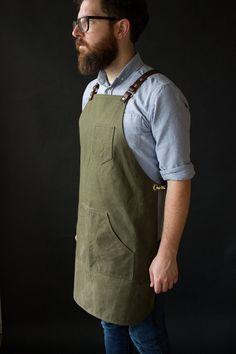 Military Tarp Apron The suspenders system is fully adjustable and removable.