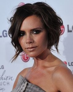 I don't think there is a style that doen't suit this woman #girlcrush    Victoria Beckham - Brunette, Celebrities, Short hair styles, Female, Bob hairstyles hairstyle picture