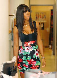 FLORAL PRINT SKIRT! Kelly Rowland.