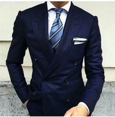 Azul y camisa blanca