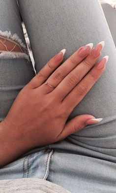 Nail Designs nail designs for fall nail designs for summer gel nail designs 2019 Almond Acrylic Nails, Best Acrylic Nails, White Almond Nails, Almond Nail Art, Aycrlic Nails, Oval Nails, Oval Shaped Nails, Minimalist Nails, Summer Gel Nails