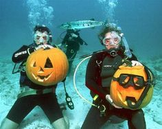 Underwater Pumpkin Carving Is The Craziest Tradition Ever.!!